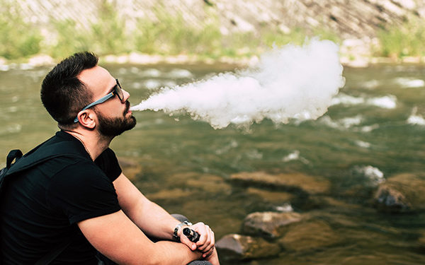 Outdoor-Vaping-Feat-Image