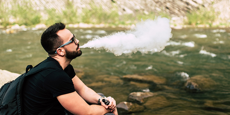 Outdoor Vaping: How to choose the best vape device